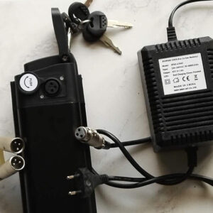 Batterie en lithium 36V avec chargeur pour vélos électriques