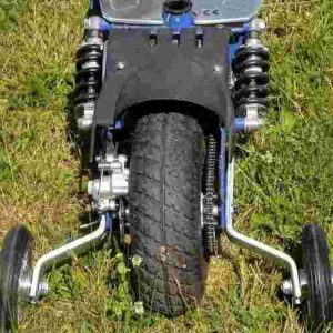 Trottinette électrique puissante BLADZ 800W avec deux roues de stabilisateurs installées