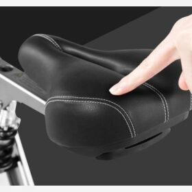 Vélo électrique 3 roues pliable super léger, équipe d'une selle mousse épaisse pour maximum de confort.